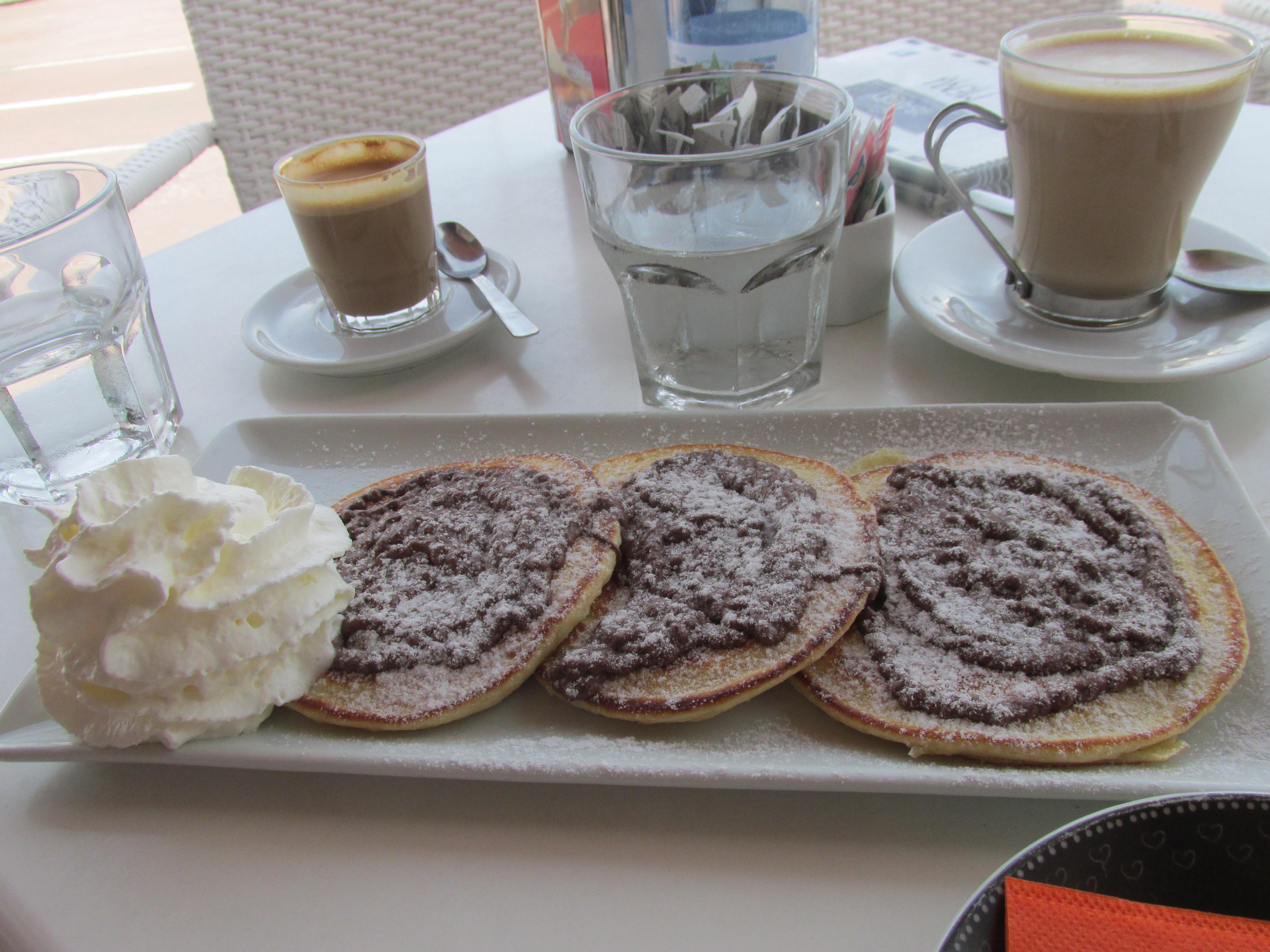 American pancakes met Nutella